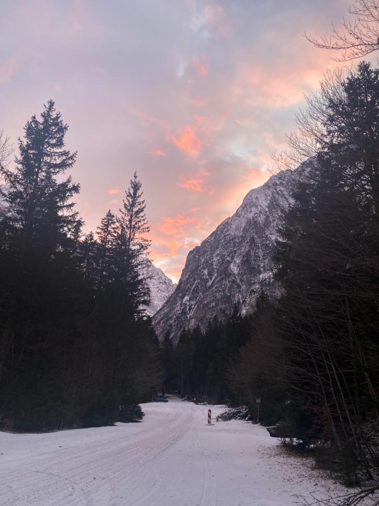 Berge Triglav Nationalpark im Schnee