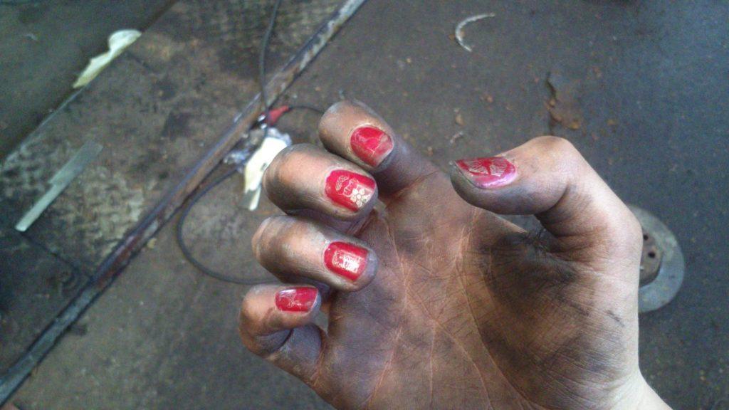 Mechanikerinnenhand